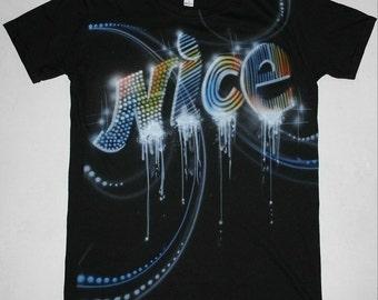 "Aangepaste Airbrush Graffiti T-Shirt ""NICE"" straatkunst fashion stijl"