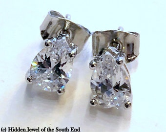 Pear Shaped Clear 6x8 CZ  Sterling Silver basket set Post Stud Earrings, Pear Cubic Zirconia Stud Earrings (E122)
