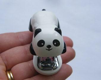 1 agrafeuse mini panda avec 1000 agrafes