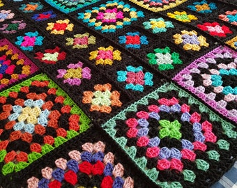 Sublime Large Crochet Black GRANNY SQUARES Dolly Blanket Afghan Throw