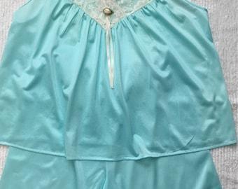 Vintage BEVERLY WEST *Sz L* Nylon Lace Trim 2 pc Pajamas Satin Shorts