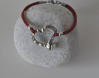 Zamak heart bracelet and cotton lace