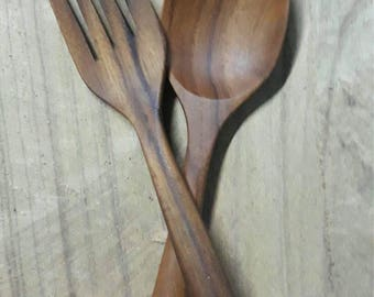 8 inches long 2 inches wide teak wood fork and spoon