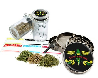 "Yes We Leaf - 2.5"" Zinc Alloy Grinder & 75ml Locking Top Glass Jar Combo Gift Set Item # G022015-037"