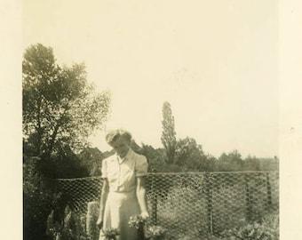 "Vintage Photo ""The Garden Whisperer"" Snapshot Antique Black & White Photograph Found Paper Ephemera Vernacular Interior Design Mood - 126"