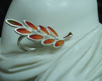 Leaves Collection: sterling silver and enamel olive leaves ring