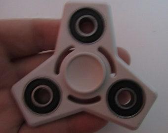 hand spinner (7.5cm entre chaque extrémité)