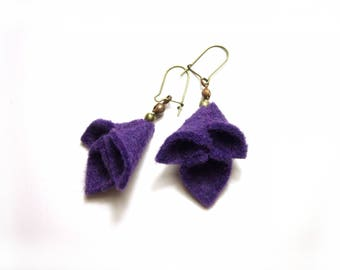 Bellflower earrings - purple felt