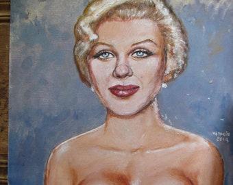 Marilyn Monroe  with hair in bun