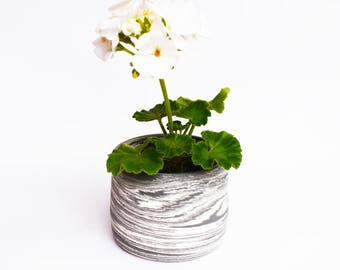Black + White Small Marbled Plant Pot
