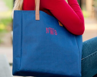 Personalized Navy Tote/ Monogram Tote/ Embroidered Navy Tote/ Navy Tote with Monogram/ Navy Tote with initials