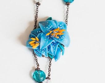 Flower pendant - Blue flowers - Blue lilies.