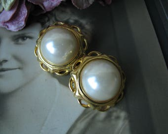 Vintage Gold Plated Faux Pearl Clip On Earrings, Vintage Faux Pearl Earrings, Wedding Pearl Earrings, Bridal Pearl Earrings