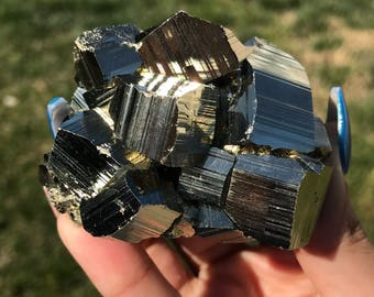 Lustrous 225g Pyrite cluster from Peru