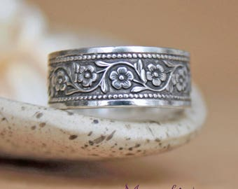 Wide Daisy Chain Band in Sterling - Silver Engravable Posey Ring - Floral Pattern Band Promise RIng - Nature-Inspired Statement Ring