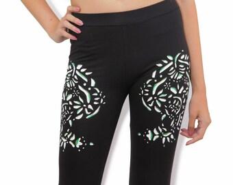 Floral leggings, Yoga leggings, Black cotton leggings, Workout leggings, Womens leggings, Leggings with flowers, Gift ideas, Yoga wear