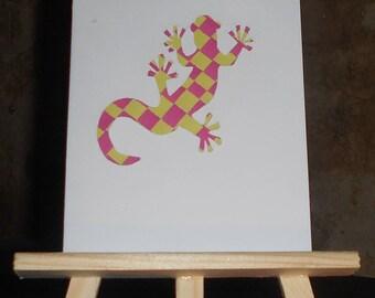 Lizard made of woven paper card