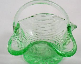 Glass Basket Green Weave Ruffled Edge with Handle