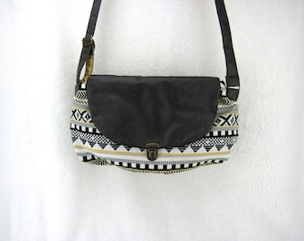 POP weaving pattern and gray faux leather bag