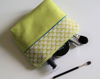 Makeup Palm green pattern