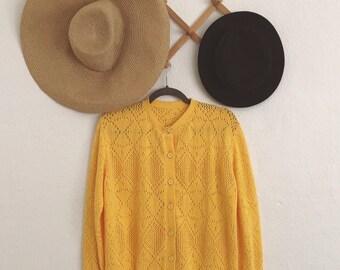 Yellow Knit Cardigan (Medium). Yellow Cardigan. Knit Cardigan. Cardigan Sweater. Vintage Cardigan. Vintage Sweater.