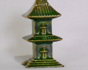 Pagoda Pie Vent by JN Ceramics