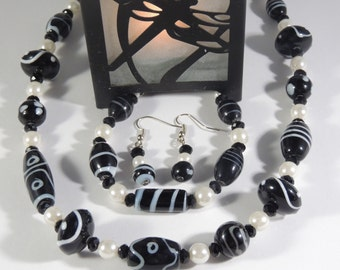 Black and White beaded Moonlight necklace set