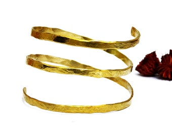 Gold Armlet, Spiral Arm Band, Gypsy Arm Bangle, Upper Arm Cuff, Gold Arm Bracelet, Hammered Cuff, Arm Bracelet, Gold Arm Cuff, Boho Jewelry