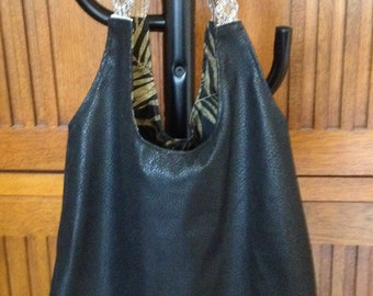 Black Faux Leather Large Hobo Bag Purse Handbag Black/Gold Print Lining Silver Gold Straps