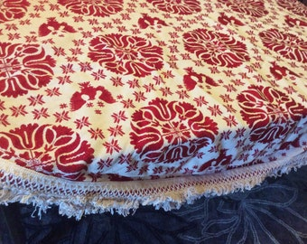 Vintage round Heavy tablecover with fringe edge Eagle  design