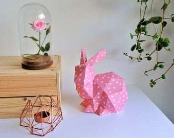 """Rabbit crouched Origami rose patterns """"triangles"""" white"""