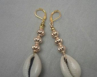 Cowrie Shells Earrings,Wire Wrapped Earrings,  Dangle Earrings, Wire Art