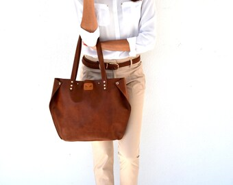 Seal brown leather tote bag