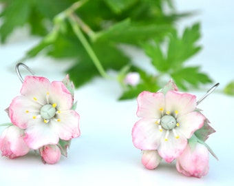 Earrings apple blossom. Sakura cherry blossom earrings. Wedding earrings. Bridal earrings. Spring earrings. Spring flowers. Natural earrings