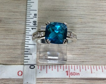 Vintage Silver Toned Blue Cushion Cut Synthetic Stone Ring Size 9 Used