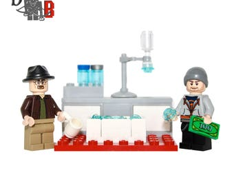 Custom Breaking Bad Walter White & Jesse Pinkman Minifigures with mini lab made using LEGO and custom parts