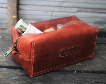 Father's Day Gift/Groomsman Gift/Waxed Leather men's toiletry bag /Shaving Bag / Cognac leather dopp Kit /Wedding Gift /Free Personalization