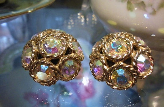Sarah Coventry Clip On Rhinestone Earrings / Northern Lights / Aurora Borealis