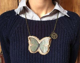 Butterfly chakra necklace - Vishuddha Collana con charm chakra /collana di carta /paper necklace /paperlicious /farfalla/ecocollane recycle
