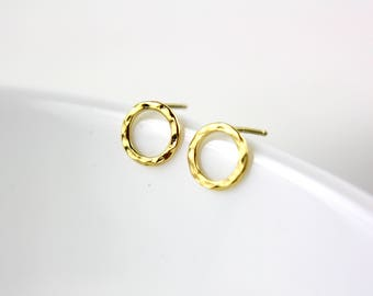 Gold circle - gold plated ear studs E55