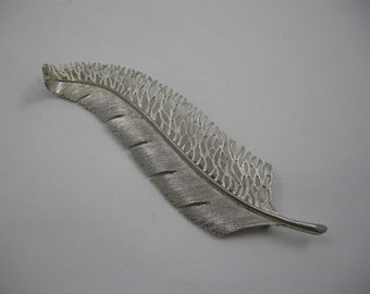 leaf pin, long graceful silvertone leaf brooch, lacy leaf pin, large pin