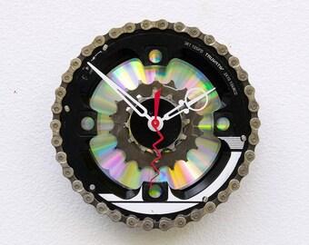 Bike Gear Clock, bike parts clock, cyclist gift, boyfriend gift, girlfriend gift, bicycle parts gift, unique upcycled bike clock, steampunk
