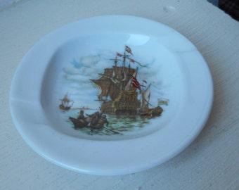 vintage Limoges porcelain unstamped round shaped white ashtray