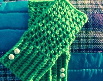 Augusta Green fingerless gloves