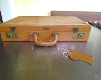 SALE 50s Briefcase Leather with LocK and KeY