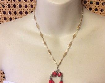 Vintage Sarah Coventry gold filigree chain links red glass accents.