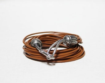 Vintage Hook Ornament Multi Strand Leather Bracelet(Calf)