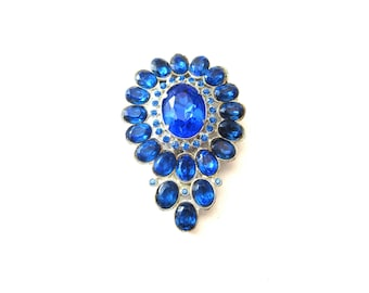 Vintage Art Deco Style Silver Tone Metal & Deep Blue Faceted Glass and Deep Blue Rhinestone Unmarked Dress Clip / Fur Clip