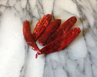 Dried cayenne chilli, chile