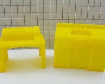 Marx Superior Yellow Sink and  laundry Mangle Soft  Plastic Laundry room